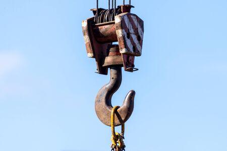 Hook suspension - tackle block lifting construction auto crane. Zdjęcie Seryjne