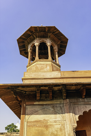 Taj Mahal - servant quaters tower in Agra, Uttar Pradesh, India 免版税图像
