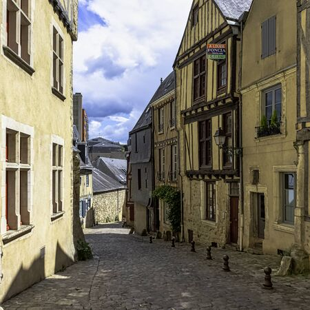 Street of Le Mans Old Town with vintage architecture in Le Mans, Maine, France 版權商用圖片