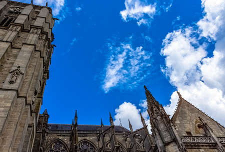 Cathedral of Saint Julian (Cathedrale St-Julien du Mans) in Le Mans, Maine, France Redactioneel