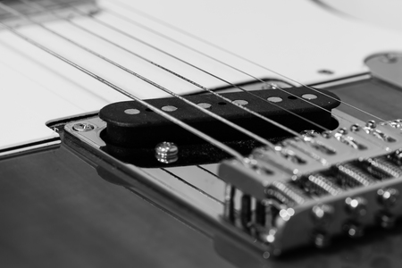 pickups: shallow dept of field, electric guitar pickups