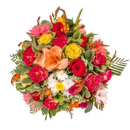 Ramo de flores vista superior aislado en blanco.