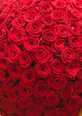 Natural red roses background pattern