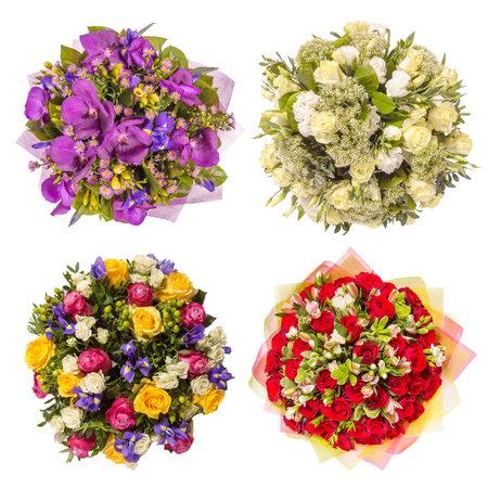 Draufsicht von vier bunten Blumenbouquets.