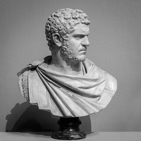古代の大理石の肖像画のバスト。 写真素材