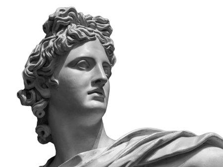Portret van een pleisterstandbeeld van Apollo op wit wordt geïsoleerd dat