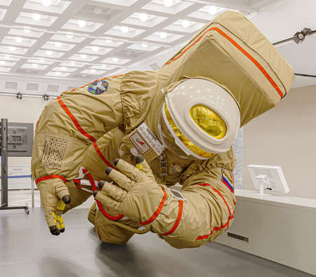 Moscow, Russia - November 28, 2018: Russian astronaut spacesuit in Space museum. Inside The Cosmonautics and Aviation Centre in the Cosmos pavilion of VDNH. Aircraft exhibition. Rocket science 新聞圖片