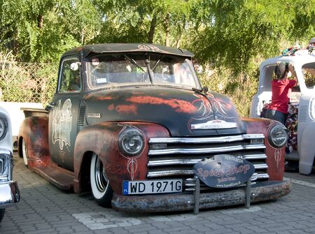 WARSAW, POLAND - AUGUST 29, 2015: Custom pick up on display at American Day in Warsaw, Poland 新聞圖片