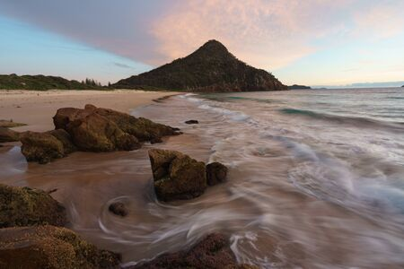 Mt Tomaree from Zenith Beach at sunrise, Port Stephens, New South Wales, Australia Banco de Imagens