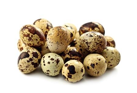 quaglia: Uova di Quaglia sul bianco