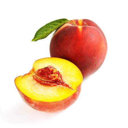 Einzelne frische reife Pfirsiche