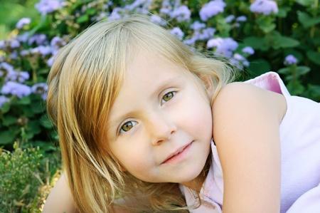 five years old: Cinque anni pi� vecchia ragazza