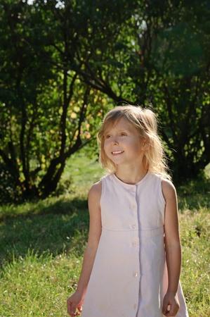 five years old: Cinque anni ragazza