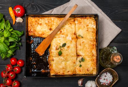 맛있는 전통 이탈리아어 라자 냐 스톡 콘텐츠
