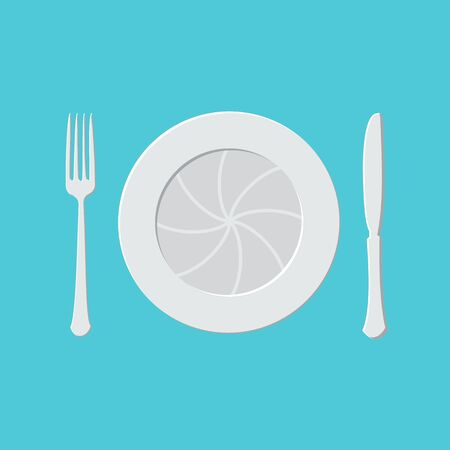 plate camera: Camera lens with fork and knife, table setting. Food Photography concept. foodphoto, food photo icon