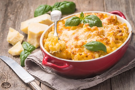 Mac and cheese, american style pasta Stock fotó