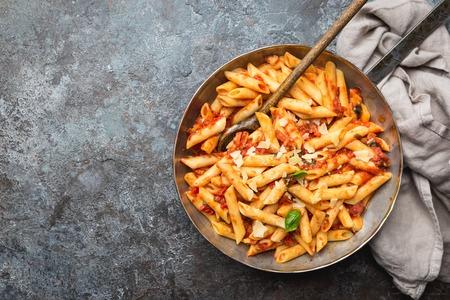 Penne pasta in tomato sauce Archivio Fotografico