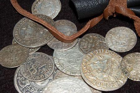 antiquary: monedas de plata antiguas de distintas �pocas