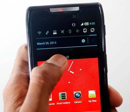 flight mode: Smart phone in hand