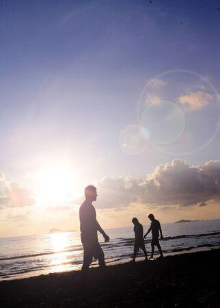 peapole walking beach