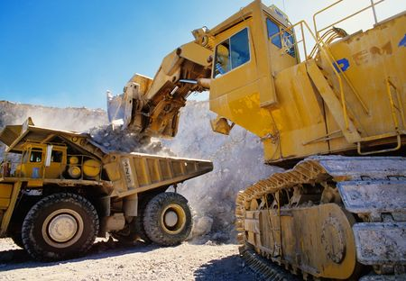 Large earth moving heavy equipment Imagens - 3395560
