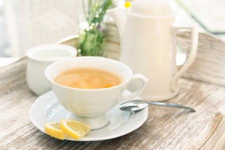 Blanco taza de té Foto de archivo - 41747473