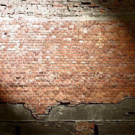 rode bakstenen muur textuur, stedelijke achtergrond, straal van licht en zwarte schaduw vignet