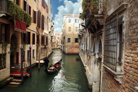 gondola: Gondolier in Venice, Italy