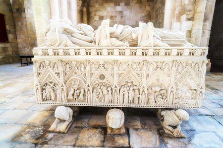 castro: Sarcophagus of Ines de Castro, Monastery of Alcobaca, Alcobaca, Portugal Editorial
