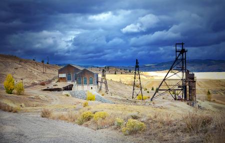 prospector: Un antiguo castillete mina en Butte, Montana, EE.UU.
