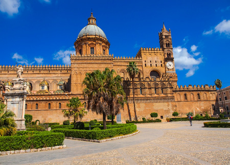 erected: The Cathedral of Palermo is an architectural complex in Palermo  Sicily, Italy   The church was erected in 1185 by Walter Ophamil, the Anglo-Norman archbishop of Palermo and King William II Stock Photo
