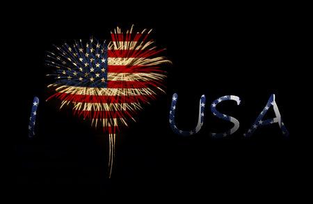 검정색 배경에 미국 국기와 심장 모양의 불꽃 놀이. 나는 미국을 사랑합니다
