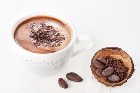 cacao beans: Cacao de los granos de cacao, el chocolate rallado y el cacao en grano