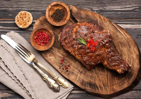 Vlees Ribeye steak entrecote. Bovenaanzicht Stockfoto