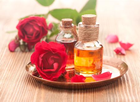 Rose etherische olie en nam bloemen