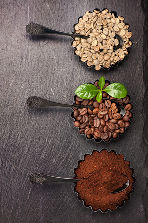 robusta: Different coffee. Green raw coffee, ground coffee, coffee beans