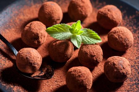 Chocolade truffels handgemaakte close-up, horizontaal Stockfoto