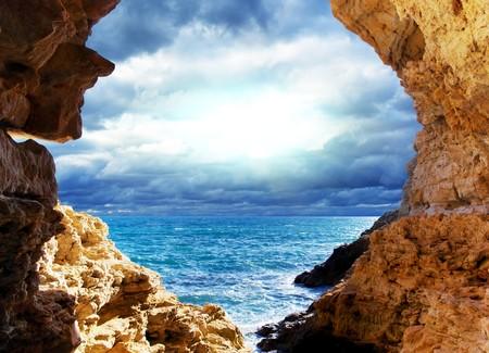 paisaje mediterraneo: Tormenta en el mar. Dise�o del paisaje.  Foto de archivo