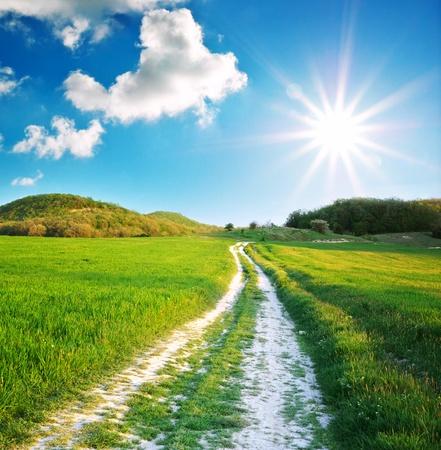 도 레인과 깊고 푸른 하늘입니다. 자연 디자인.