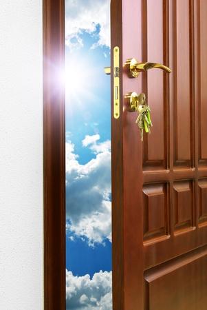 key to freedom: Puerta al cielo. Dise�o conceptual. Foto de archivo