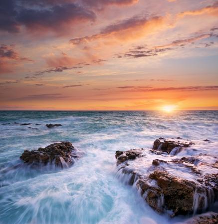 mare agitato: Bella vista sul mare. Composizione della natura. Archivio Fotografico