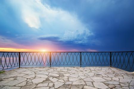 paisaje mediterraneo: Ver en el balc�n Foto de archivo