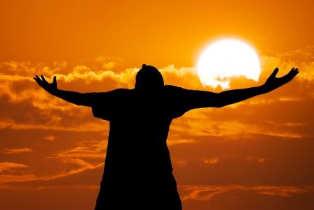 worship god: Man worship to God