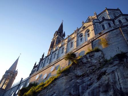 フランス、ルルドの洞窟を介して無原罪 Masabelską 聖堂 報道画像