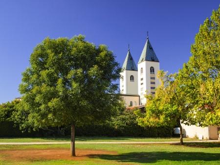 塔の教会 St James のメジュゴリエ、ボスニア ・ ヘルツェゴビナ、世界中から数多くの巡礼地 写真素材 - 16146326