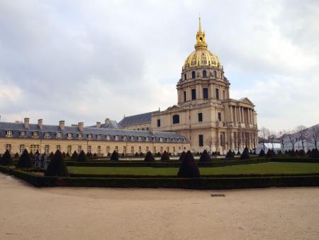 太陽王、ルイ 14 世の埋葬場所のナポレオン ・ ボナパルトの命令で 1706 ジュールアルドゥアン = マンサールによって建つ私・ デ ・ ザンヴァリッド - パリ記念碑的な教会教会無効、無効のおなか 写真素材 - 18305388