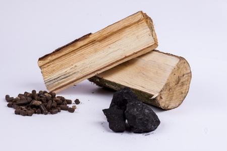 celulosa: diferentes tipos de derivados de plantas de carb�n combustible, madera, pellets de ligno-celulosa