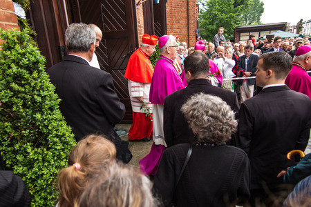 archbishop: Piekary Slaskie, Poland, May 29, 2016 .: Before the Basilica of Our Lady of Piekary start solemn pilgrimage of men and youths to the Virgin Mary. Krakow Cardinal Stanislaw Dziwisz, Archbishop of Katowice Viktor Skworc leave the Basilica Editorial