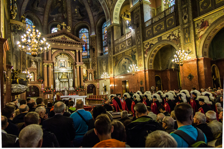 arrepentimiento: Piekary Slaskie, Poland, May 29, 2016 .: The interior of the Basilica of Our Lady of Piekary before the solemn pilgrimage of men and youths to the Virgin Mary