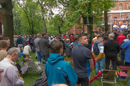 arrepentimiento: Piekary Slaskie, Poland, May 29, 2016 .: The annual gala men and youths Pilgrimage to Our Lady of Piekary Slaskie. Men at a ceremony at the Calvary hill.
